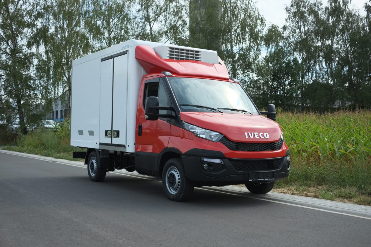 3D Dachspoiler fuer Iveco Daily Normalfahrerhaus HDI 02 5