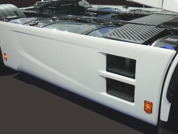 AERO-OVER Rahmenverkleidung Adblue 135 Liter für Iveco Stralis HI-Way, Sattelzugma für abc aeroline