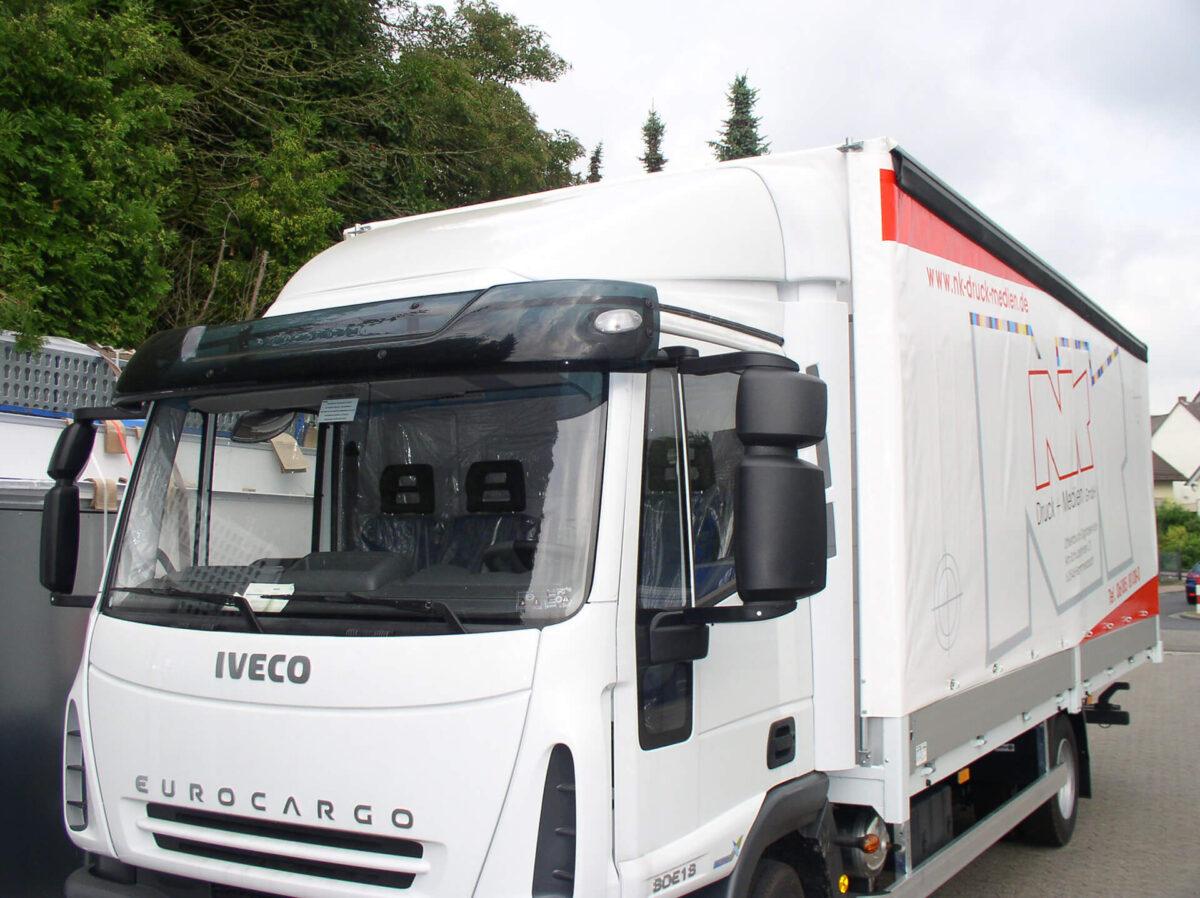 LOOK-ALIKE Sonnenblende für Iveco Eurocargo, Normalfahrerhaus Acrylglas inkl. Halter und Befestigungsmaterial, Inkl. Umrissleuchten für abc aeroline